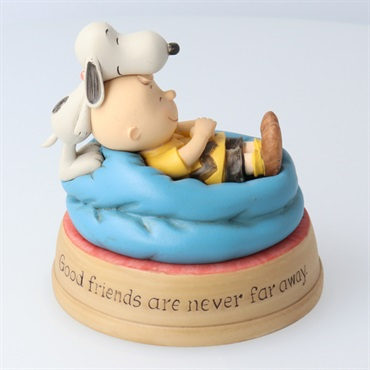 Snoopy Good Friends Charlie Brown and Snoopy Figurine