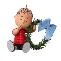 PEANUTS(R) A Comfy Christmas for Linus Ornament