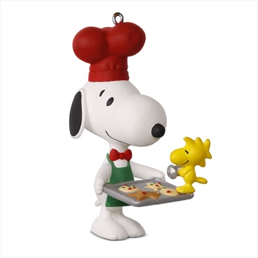 PEANUTS(R) Spotlight on Snoopy Baker Snoopy Ornament