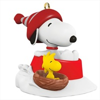 PEANUTS(R) Winter Fun With SNOOPY? Mini Ornament
