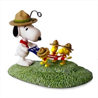 PEANUTS(R) Snoopy Flag Folding Ceremony Ornament