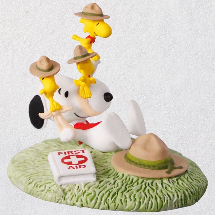 The PEANUTS(R) Gang First Aid Lessons Ornament