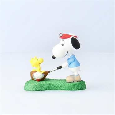 Peanuts(R) Spotlight on Snoopy Golfer Snoopy Ornament