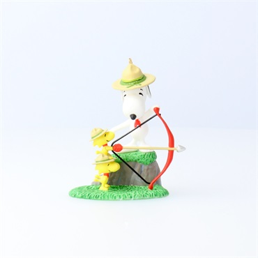Peanuts(R) Snoopy and the Beagle Scouts Archery Practice Ornament