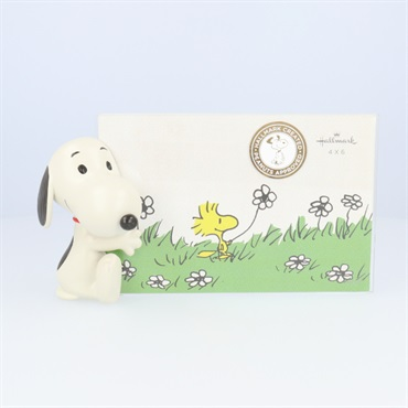 Peanuts(R) Dimensional Sitting Snoopy Picture Frame, 4x6