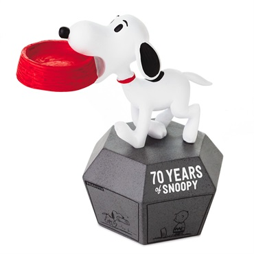Peanuts(R) 70 Years of Snoopy 1960s Limited Edition Figurine