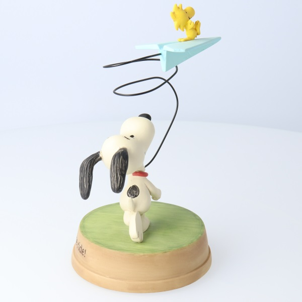 hallmark peanuts happiness is a hug from the heart snoopy woodstock figurine